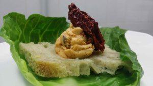 post imageCrostino di pane di Cerchiara con peperone Cruschi